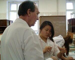 АИ Ким со стаканом Кондрашова