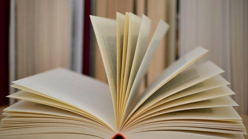 Book 610189 1280
