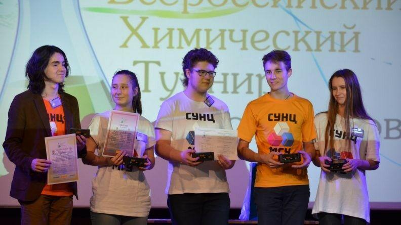 Команда из СУНЦ МГУ вернулась с победой на региональном этапе ВХТШ в Воронеже
