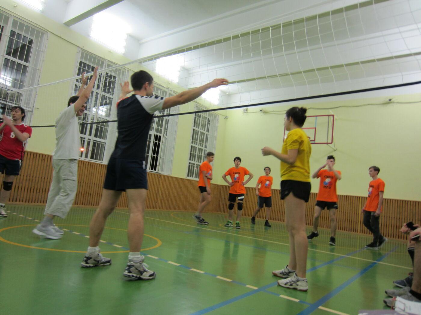 Приглашение на традиционный ежегодный турнир по волейболу среди учащихся и выпускников