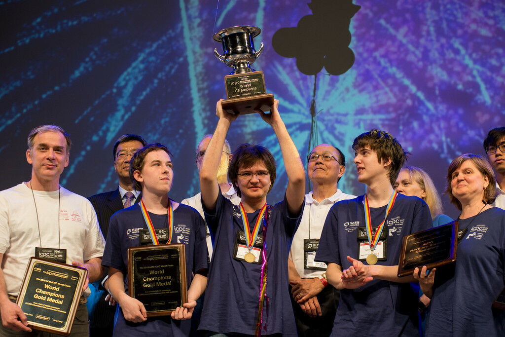 Выпускники СУНЦ МГУ  стали чемпионами мира по программированию ICPC 2018